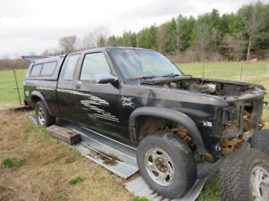 dodge dakota great deals on new or used cars and trucks near me in ottawa from dealers. Black Bedroom Furniture Sets. Home Design Ideas
