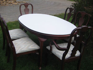 KROEHLER DINING TABLE AND SIX CHAIRS Kawartha Lakes Peterborough Area image 5
