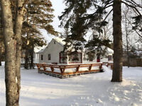 Cute and cozy fully furnished 3 season cottage in Shediac!