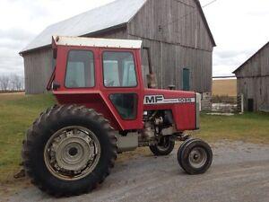1085 Massey Ferguson Tractor