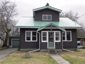 Gorgeous Renovated 3 bed 2 bath House in Fort Frances