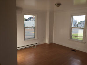 Directly Across from DAL A/C - College Road, 2bdrm loft style