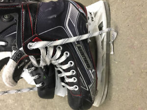 Kids hockey skates Bauer size 5