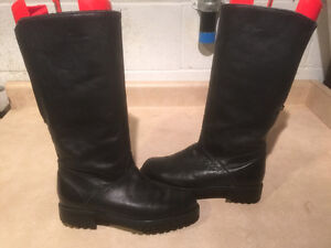 "Women's ""College"" Tall Leather Winter Boots Size 8 London Ontario image 1"