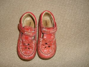 Geox Girl's Red with Floral Pattern Shoes Size 8 1/2