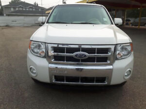 2010 FORD ESCAPE LIMITED ALL WHEEL DRIVE FULLY LOADED LEATHER