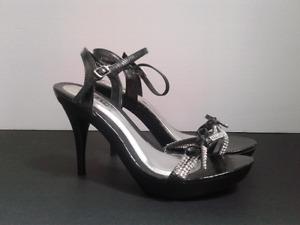 Sandale Vangelo grandeur 10 // Sandal Vangelo size 10