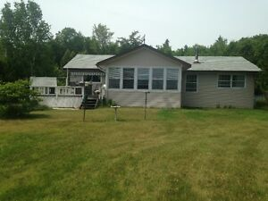 Lakefront Property Hilton Beach (40 Mins from Sault Ste Marie)
