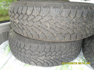 4 winter Tires on Rims 215 70 15 West Island Greater Montréal image 2