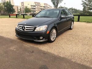 2010 Mercedes Benz C250 4matic very low gas