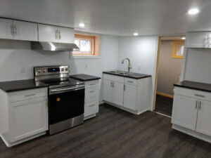 1 BED UNIT ALL  INCLUDED WITH HIGH SPEED INTERNET AVAIL NOW!!