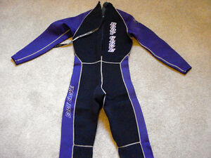 BODY GLOVE Laser Series 3/2 Full Wetsuit M Back Zip- AS NEW