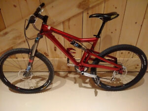 Santa Cruz Heckler - Medium - custom build 2009 3x9