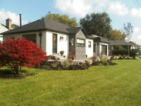 ****Charming South Pickering Bungalow For SHORT TERM LEASE****