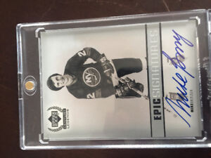 Certified autograph Mike Bossy hockey card