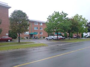 1 bdrm (heated) on 2nd St W Cornwall Ontario image 1