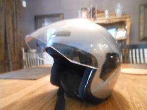 Motorcycle Helmet with Visor - size Med