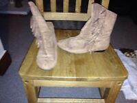 Various boots / footwear size 5