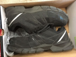FAIRLY USED DICKIES SAFETY SHOES FOR SALE