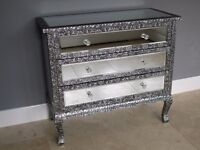 BLACK/SILVER METAL EMBOSSED 3 DRAWER MIRRORED CHEST OF DRAWERS