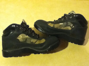 Women's Timberland Camo Boots/Shoes Size 5 London Ontario image 5