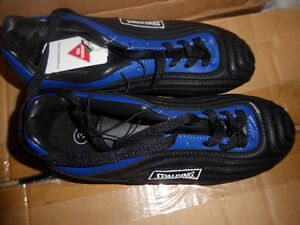 NEW Spalding soccer shoes, youth size 3 $ 10, others size 2 $ 7 Kitchener / Waterloo Kitchener Area image 1