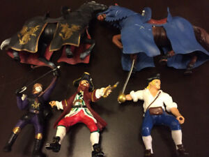 THREE ACTION FIGURES, KNIGHT, PIRATES AND 2 HORSES