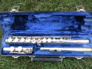 Armstrong Flute Model 104 - plays awesome!