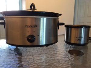 Crock pot with little dipper