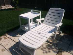 Outdoor lounge chair and cart