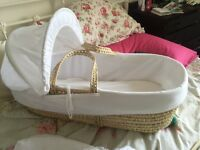 Moses basket with stand baby