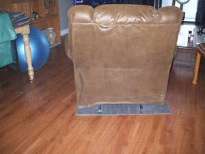 Rocker/ Recliner by Ashley....check out all my for sale ad's Stratford Kitchener Area image 7