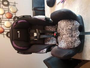 CAR SEAT / BOOSTER SEAT IN EXCELLENT CONDITION FOR SALE!!!