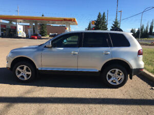 2009 Volkswagen Touareg 2Series AWD LEATHER Roof EXTRA CLEAN