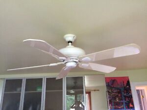 Ventilateur de plafond / Ceiling Fan