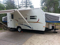 Roulotte Jay Feather Jayco hybride 18 pieds