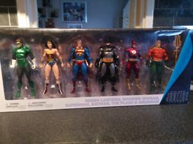 DC COMICS COLLECTIBLES