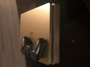 (PS4) limited edition Gold PlayStation 4