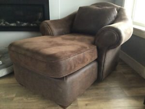 Very comfy Chaise