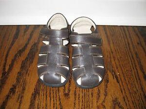 Kai by See Kai Run boys sandals shoe size 11