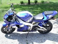 2000 Yamaha R1 with Aftermarkets......Fastest Bike for $3500!
