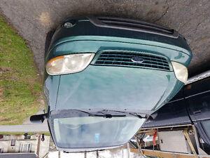 2002 Ford Windstar Green Minivan, Van