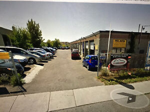 1 AUTO GARAGE LEFT FOR RENT IN BIRCHMOUNT RD TORONTO
