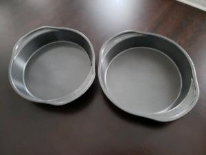Round baking pans EUC