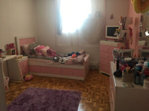 7 Piece Girl's Pink Bedroom Set!