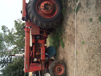 Excellent tractor in mint running condition