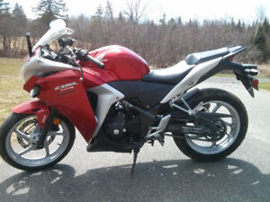 Honda CBR 250 for sale, want gone before winter