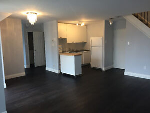 Newly Renovated Condo in Clarkson, Mississauga