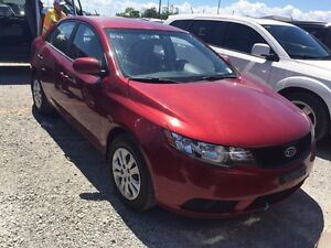 2010 KIA FORTE LOW KMS!!