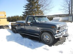 1986 Ford F-350 Camionnette